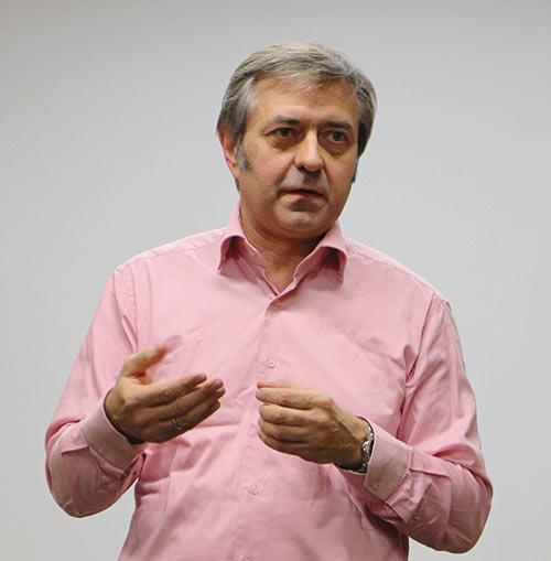 Андрей Макачев